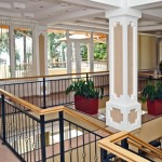 Холл отеля Дельфин. Второй этаж.